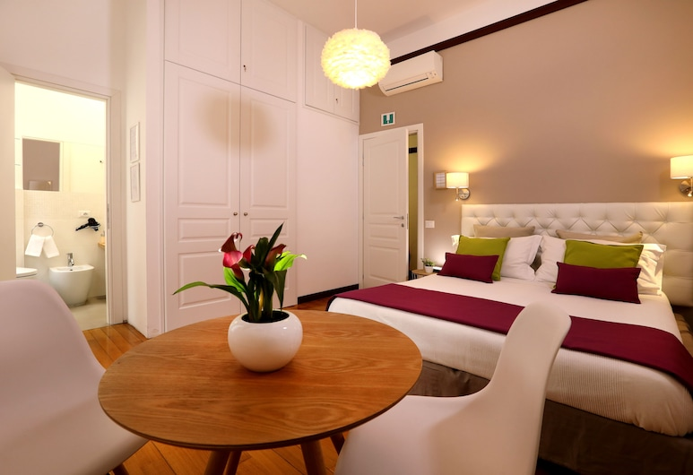 Tata B&B, Rome, Double or Twin Room, Ensuite, Guest Room View