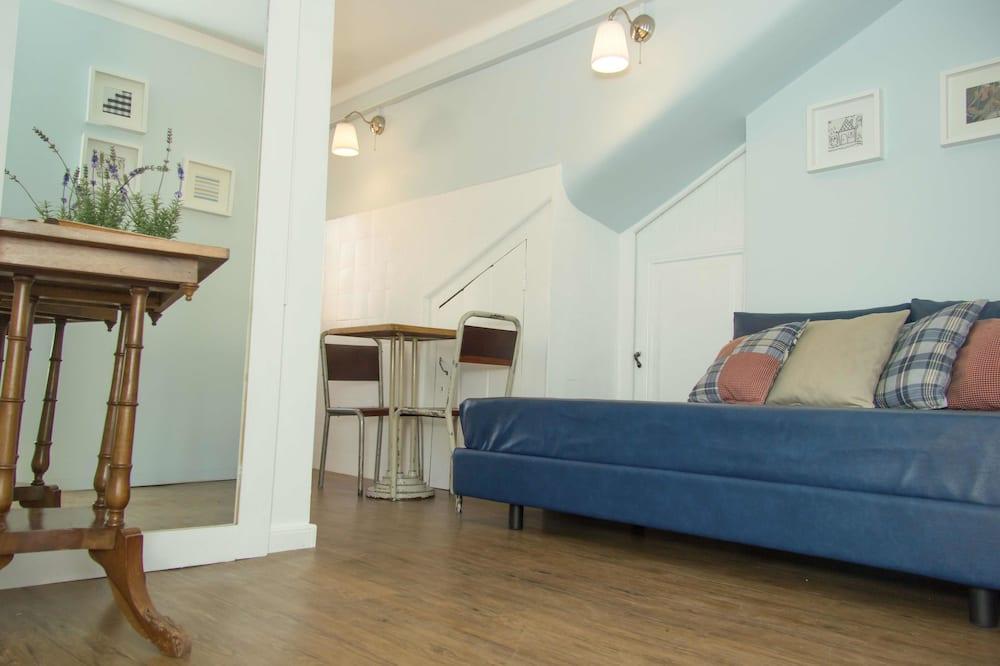 Chambre Triple Standard, 1 chambre, salle de bains privée - Coin séjour