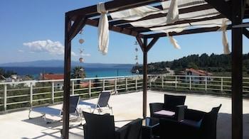 Foto van Salonikiou Beach Deluxe Apartments in Sithonia