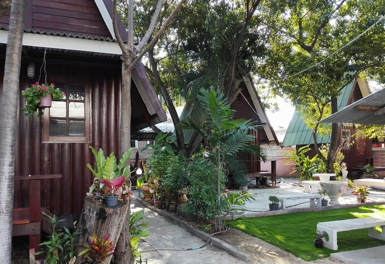 BnR Resorts, Bangkok, Courtyard