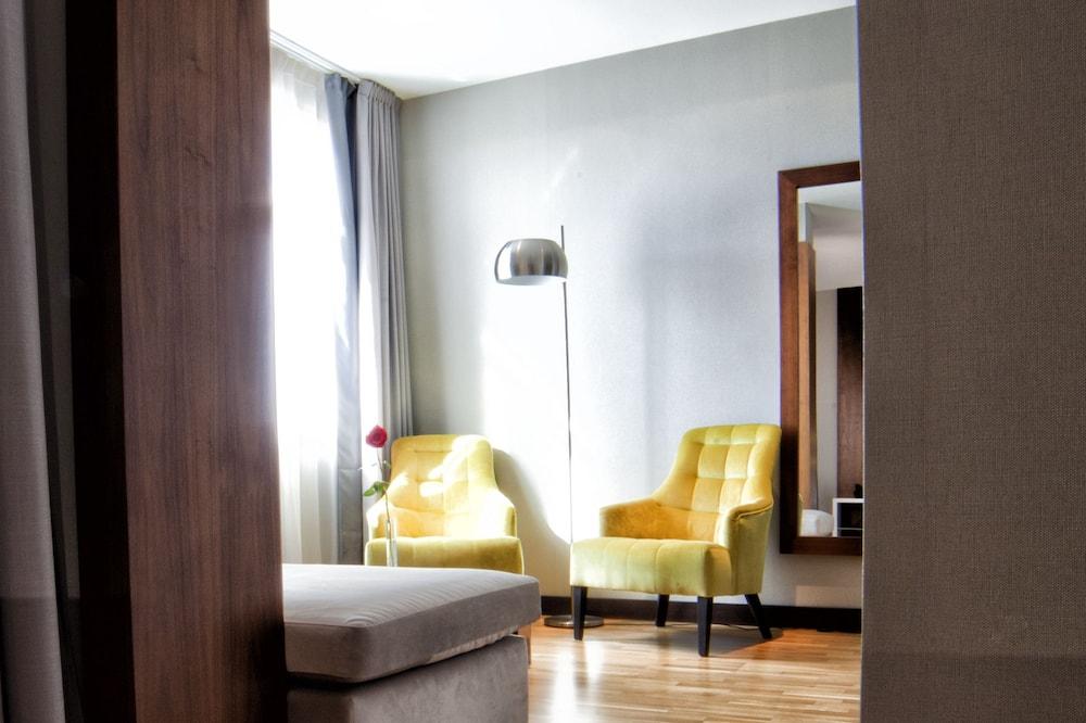 Phòng đôi (Living Room) - Phòng khách