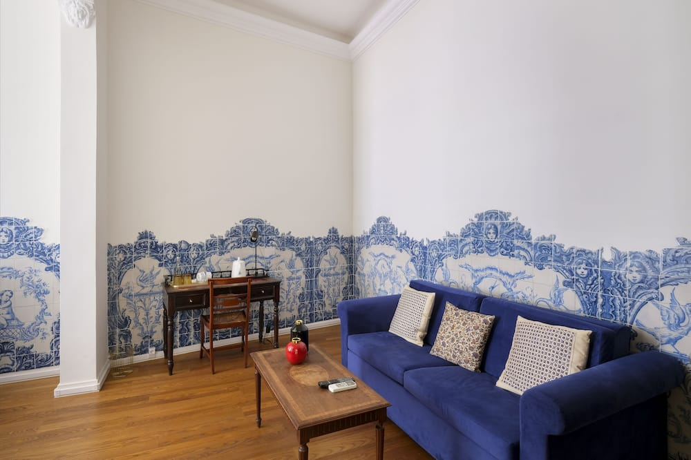 Signature Suite, 1 Queen Bed with Sofa bed (Portuguese Tiles) - Living Area
