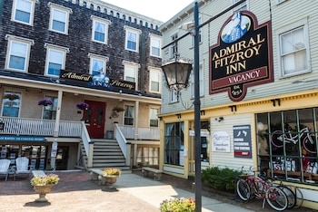 Picture of Admiral Fitzroy Inn in Newport