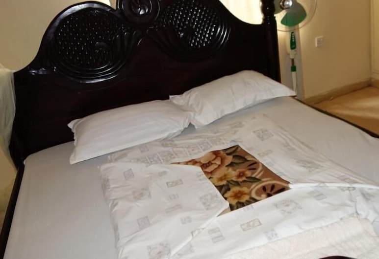 Yahoo Guesthouse, Kampala, Standard Double Room, Guest Room