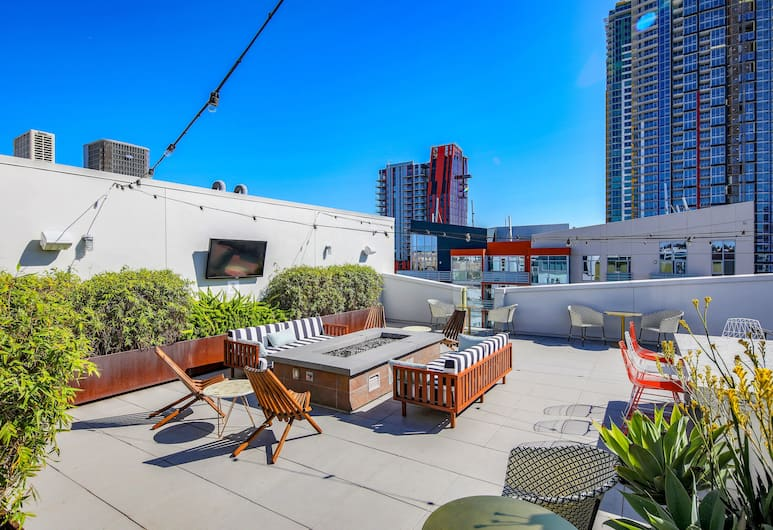 Modern Downtown Condos by Barsala, San Diego, BBQ/Picnic Area