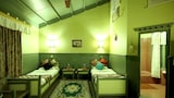 Book this Free Breakfast Hotel in Sauraha