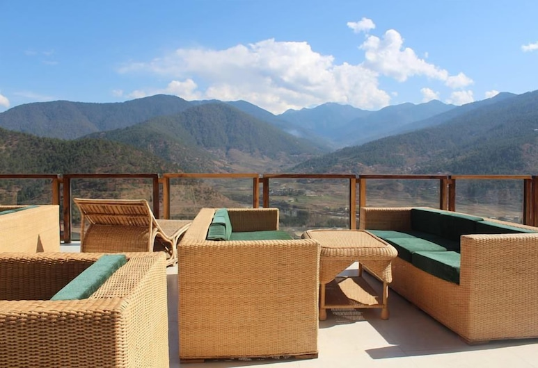 Zhingkham Resort, Punakha, Terraza o patio