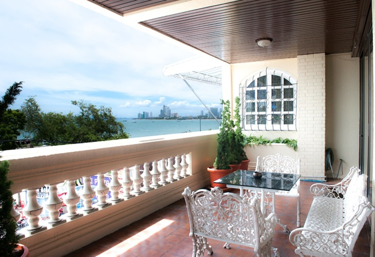 Lido Beach Hotel Pattaya, Pattaya, 2 Bedrooms Family Suite , Balcony