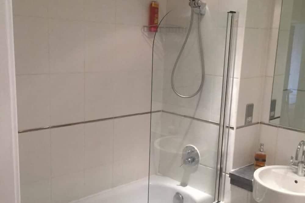 Deluxe Apartment, 2 Bedrooms, City View - Bilik mandi