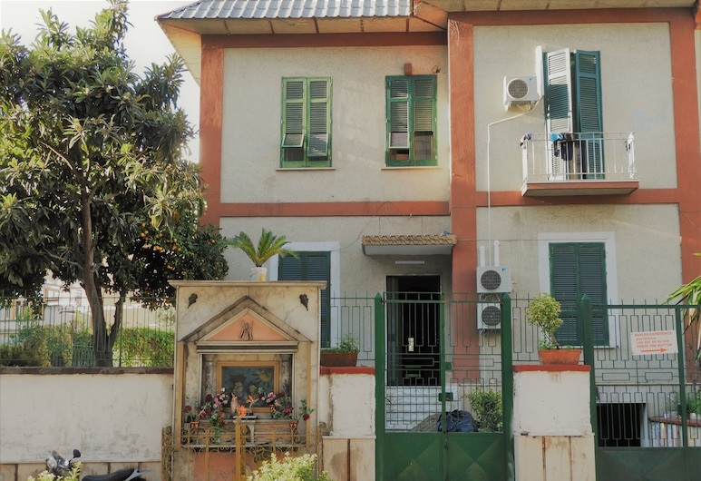 Naples Experience Hostel, Napels, Receptie