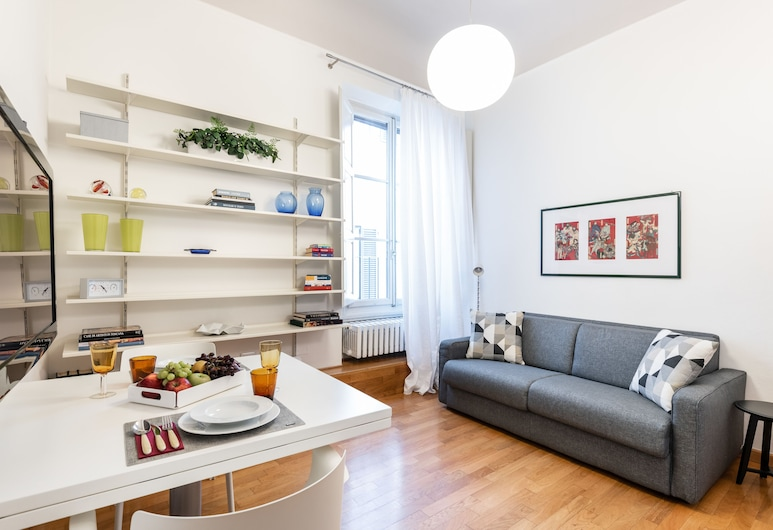 Design Apartments Florence - Duomo, Florence, Deluxe Apartment, 3 Bedrooms, Tower (Via dei Conti, 1), Living Area
