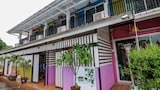 Book this Parking available Hotel in Si Kan