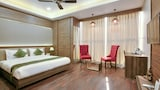 Book this Parking available Hotel in New Delhi