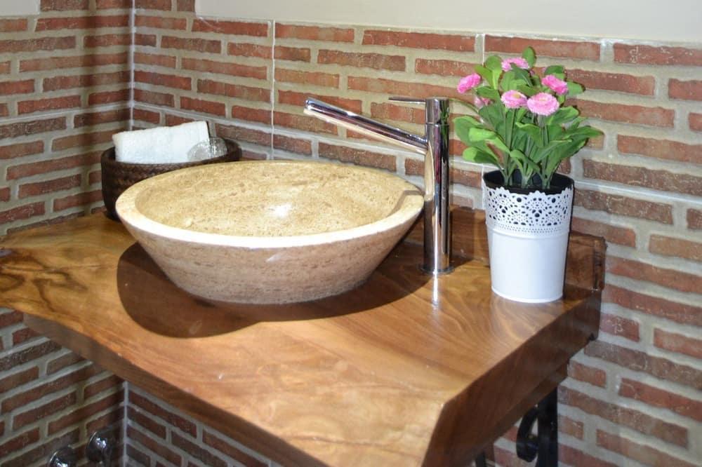 Коттедж, 5 спален - Раковина в ванной комнате