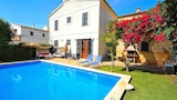 Reserve this hotel in Llubi, Spain