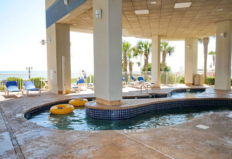 Units at Carolinian Beach Resort by Elliott Beach Rentals, Myrtle Beach, Basen kryty/odkryty