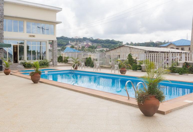 Hotel Reno, Abuya, Alberca al aire libre