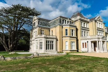 Picture of Coldeast Mansion in Southampton