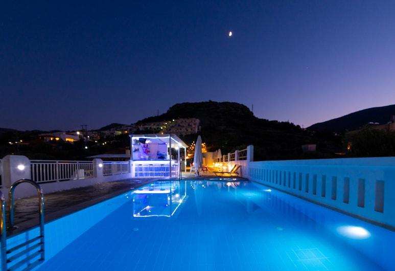 أوكيروي فيلاز, هيرسونيسوس, بار على حمّام السباحة