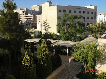 Picture of Almohandes Hotel apartment in Amman