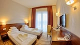 Reserve this hotel in Proszkow, Poland