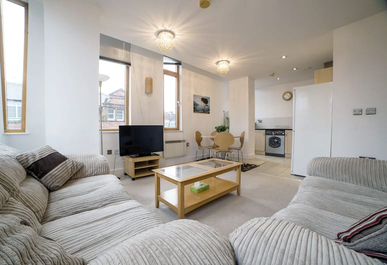 Piccadilly Gardens, Manchester, Deluxe Apartment, 2 Bedrooms, Living Room