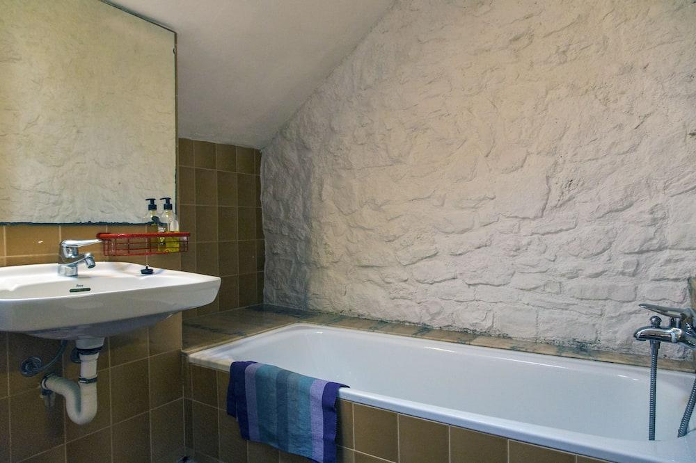 Villa, 3Schlafzimmer, eigener Pool, Stadtblick - Badezimmer