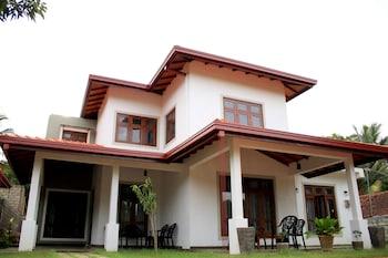 Picture of Seasons Villa in Sigiriya
