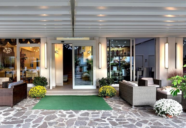 Hotel Vallechiara, Ravenna, Hotel Entrance