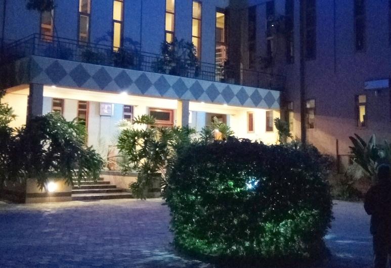 Lush Garden Hotel, Arusha, Front of property - evening