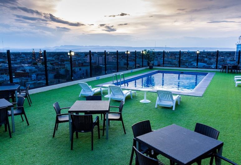 Hotel Real Plaza Aguascalientes, אגואס קליינטס, בריכה חיצונית