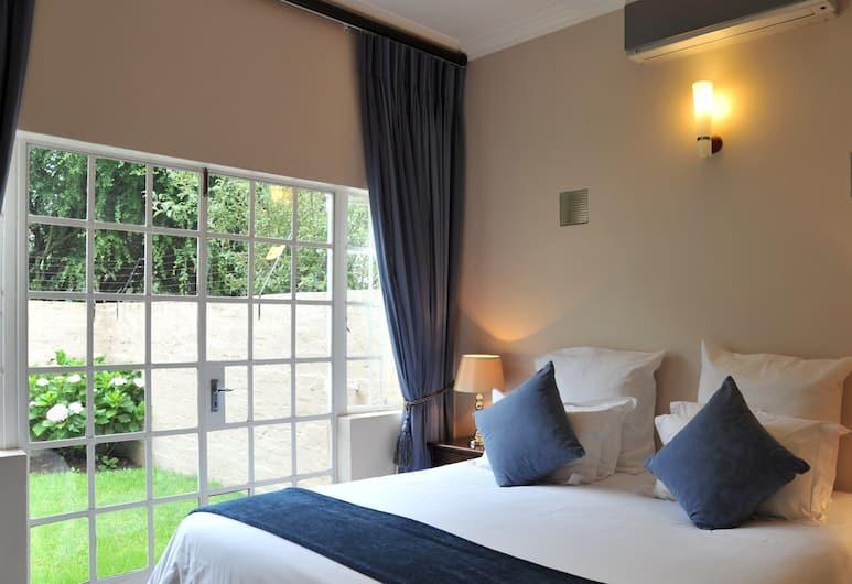 Seven on Bevan, Sandton, Comfort Cottage, 1 Bedroom, Kitchenette, Garden Area, View from room