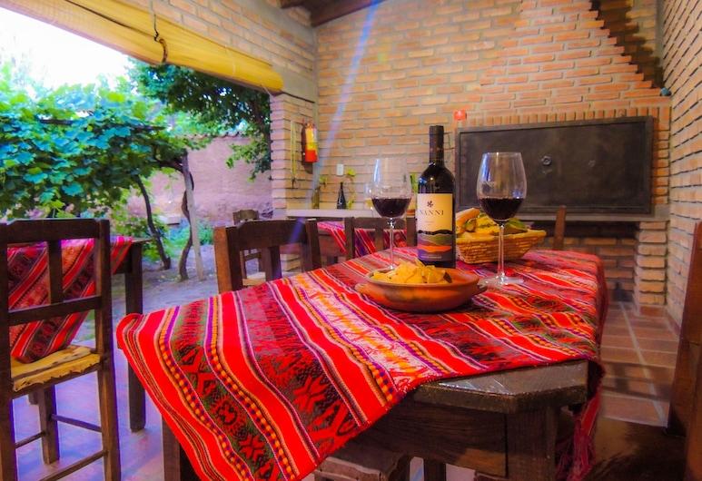Hostal Tierra de Vinos, Cafayate, Obiekty restauracyjne na zewnątrz
