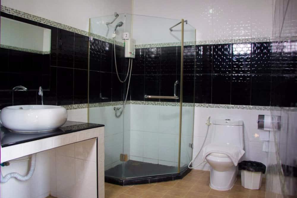 Junior Suite, Pool Access - Badezimmer