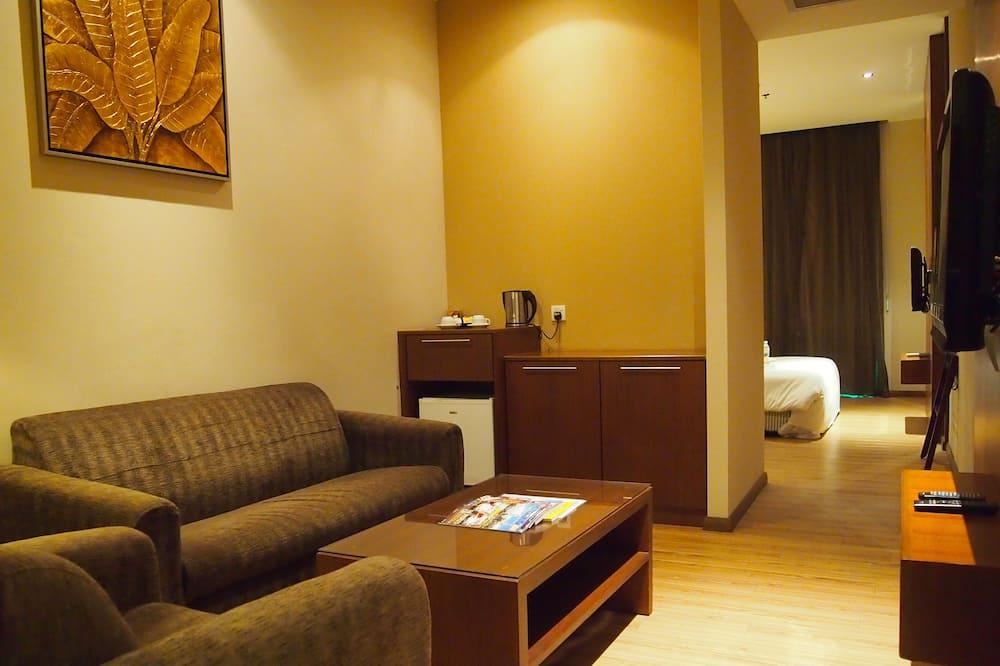Junior Suite King - Living Area