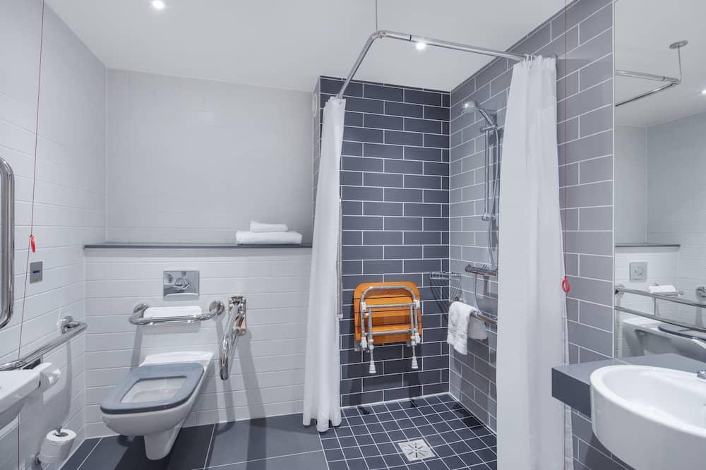 ห้องสแตนดาร์ด, เตียงใหญ่ 1 เตียง, พร้อมสิ่งอำนวยความสะดวกสำหรับผู้พิการ - ห้องน้ำ
