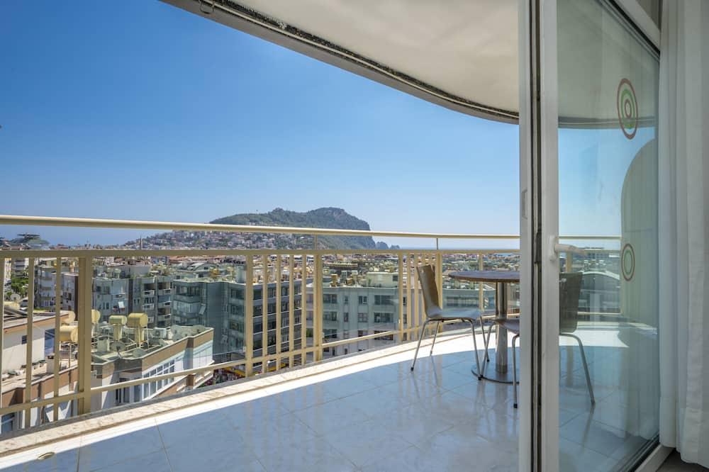 Panoramic Σουίτα, Μη Καπνιστών, Μερική Θέα στη Θάλασσα - Θέα από το μπαλκόνι