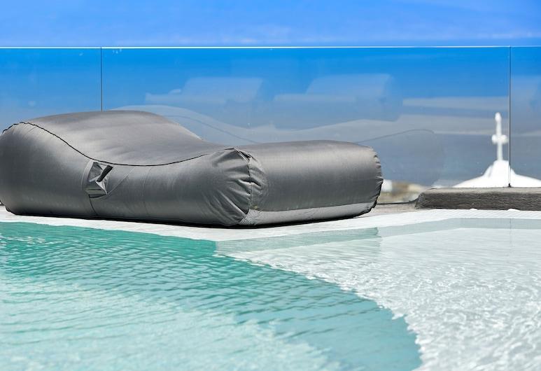 Aperanto Suites, Santorini, Pool