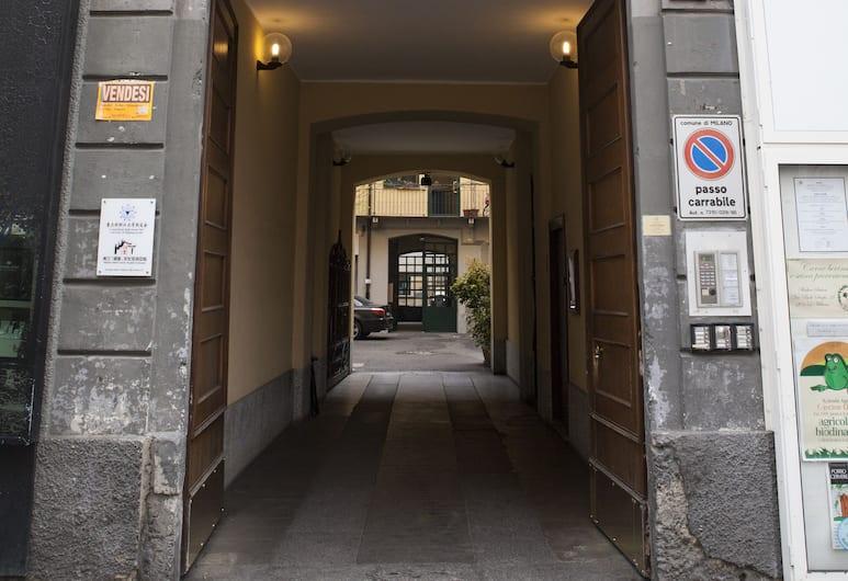 Alessia's Flat - Paolo Sarpi, Milan, Property entrance