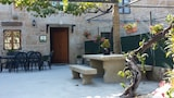 Reserve this hotel in Rois, Spain
