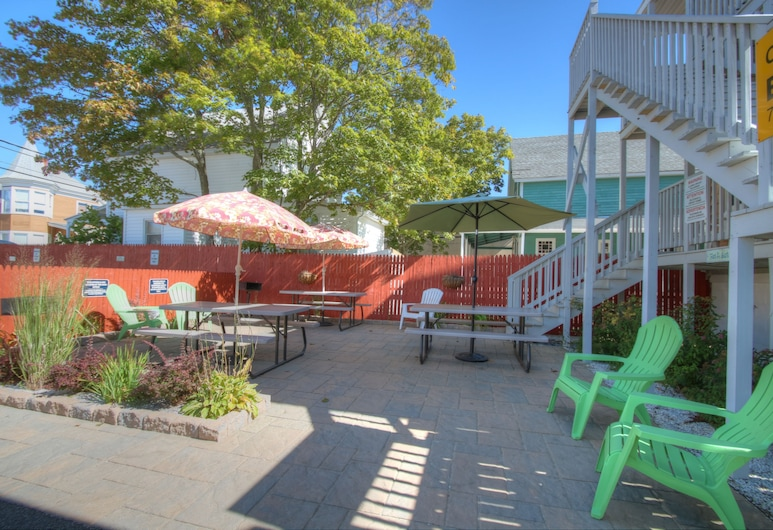Biarritz Motel & Suites, Old Orchard Beach, Property Grounds