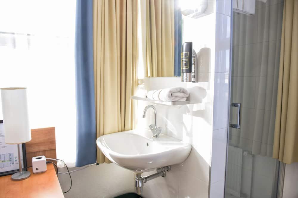 Habitación individual económica, baño privado - Cuarto de baño
