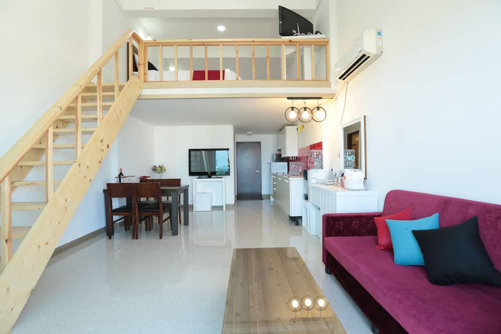 106 - Living Area