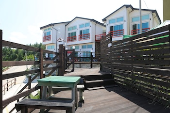 Introduce las fechas para ver los descuentos de hoteles en Gangneung