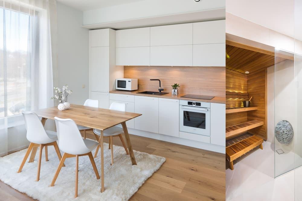 Apartament typu Deluxe, 1 sypialnia, sauna, widok na miasto - Wyżywienie w pokoju