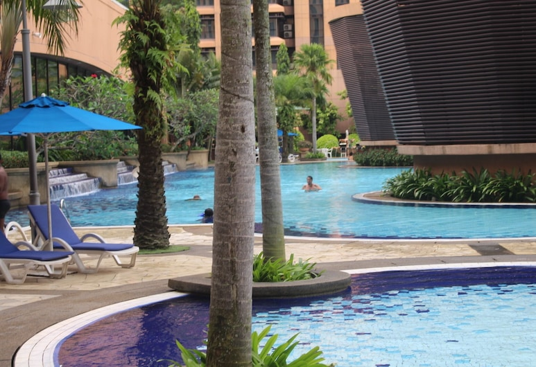 Alpha Service Suites at Times Square, Kuala Lumpur, Infinity Pool