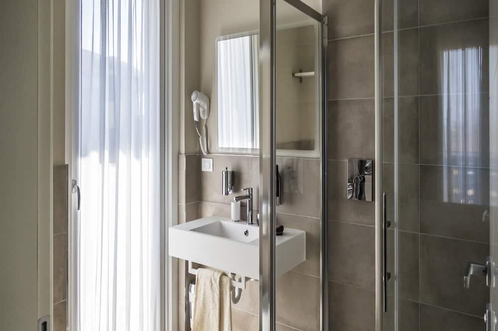 Comfort szoba kétszemélyes ággyal (with extra bed) - Fürdőszoba