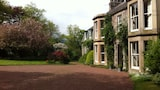 Choose This 4 Star Hotel In Biggar