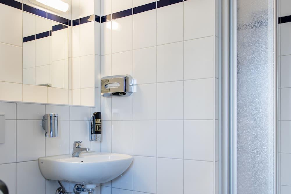 Yhteismajoitus (1 Bed) - Kylpyhuone