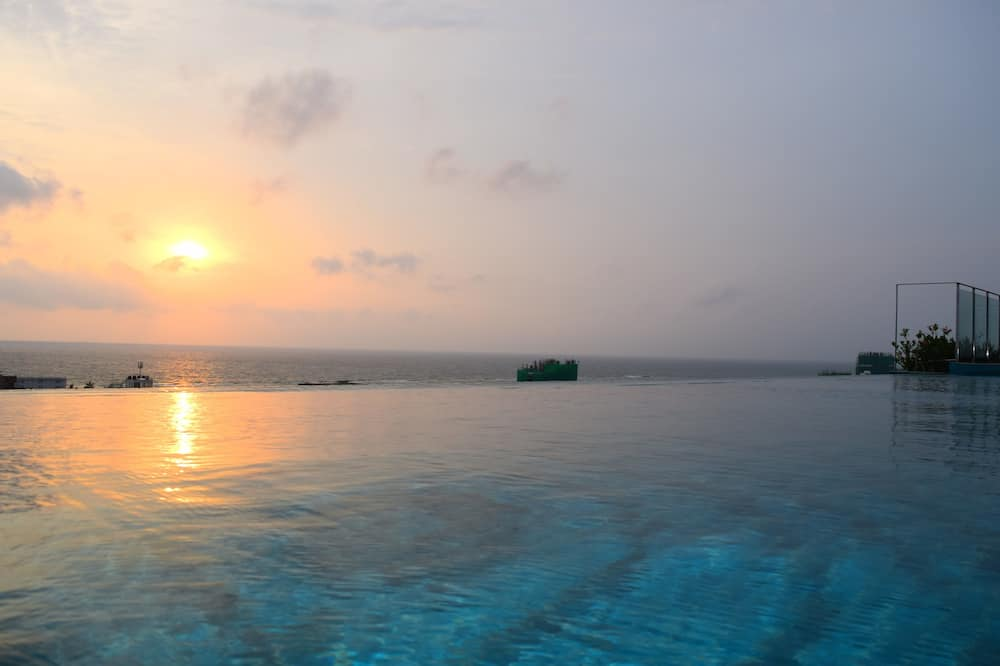 Beskrajni bazen
